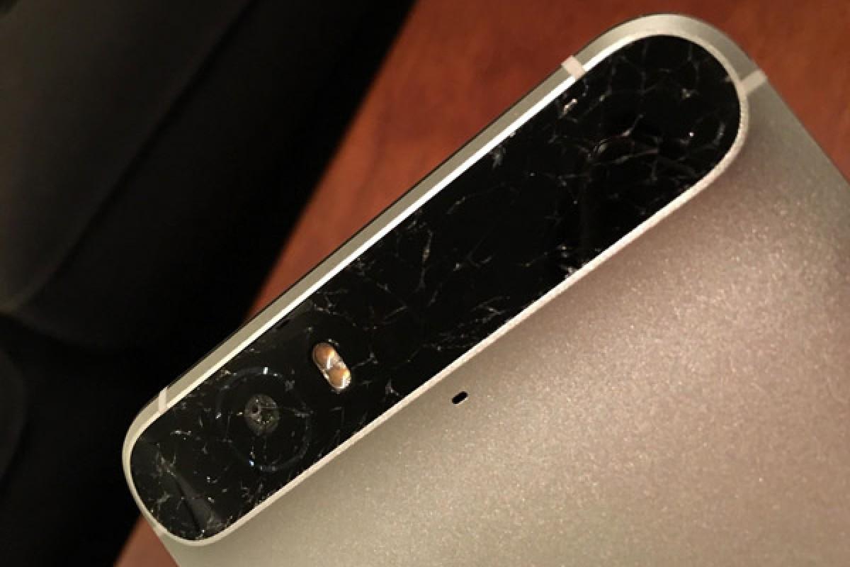مشکل جدید برای نکسوس 6P: شیشه پشتی دستگاه بهراحتی میشکند!