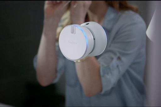 flosstime-smart-floss-device-2-640x427-c