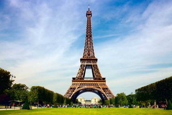 hith-eiffel-tower-iStock_000016468972Large