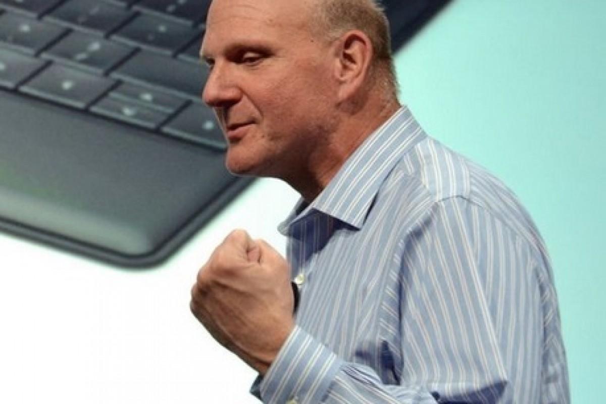استیو بالمر: آمارهای درآمد مایکروسافت از خدمات ابری مزخرف است!