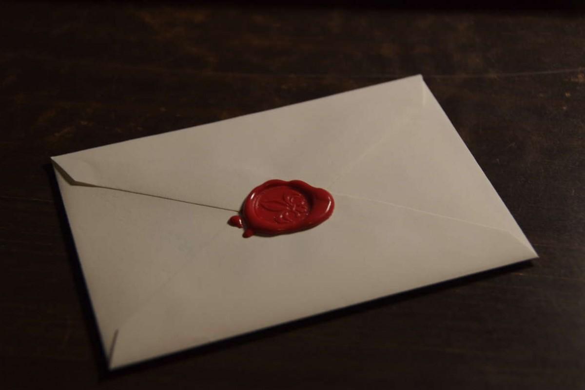 دانشمندان اثر انگشتهای متعلق به قرون وسطی را از روی مهر اسناد جمعآوری میکنند