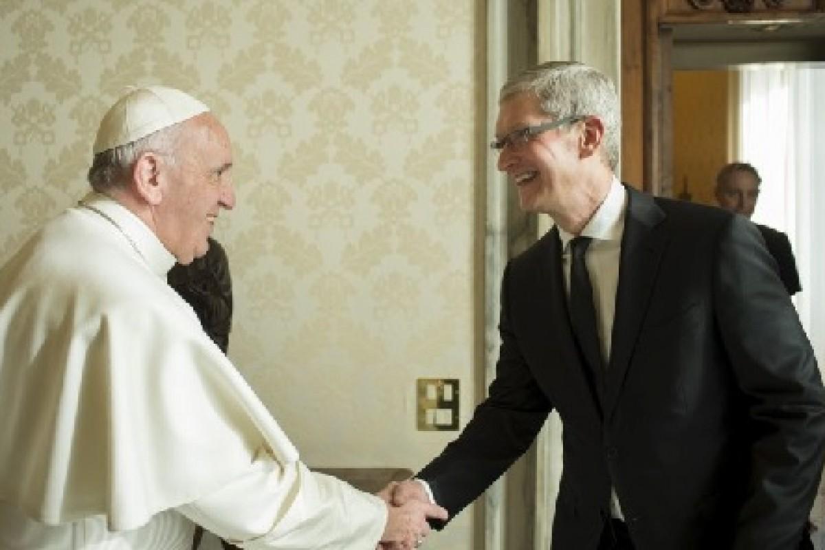 رهبر مسیحیان جهان: اینترنت و شبکههای اجتماعی هدیه خداوند هستند!