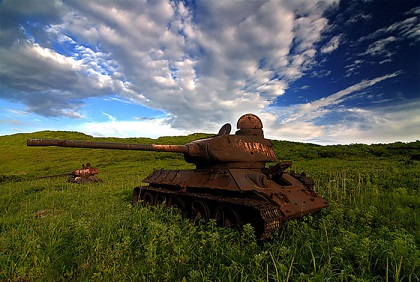 abandoned-army-tanks-that-have-become-a-part-of-nature-17