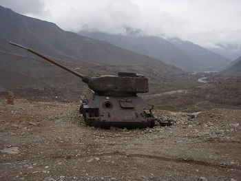 abandoned-army-tanks-that-have-become-a-part-of-nature-18