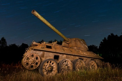 abandoned-army-tanks-that-have-become-a-part-of-nature-30