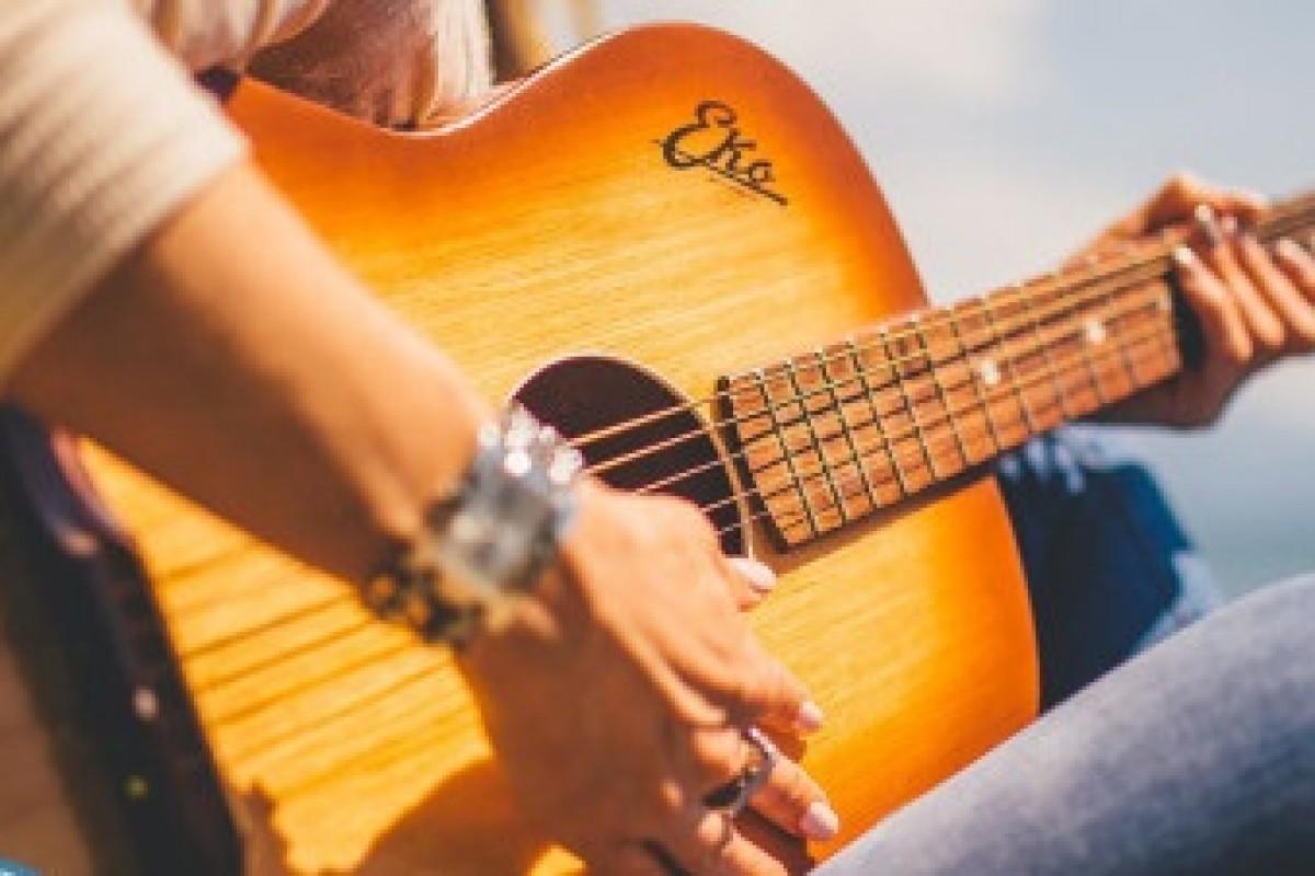 با این ۵ برنامه یک گیتاریست حرفهای شوید