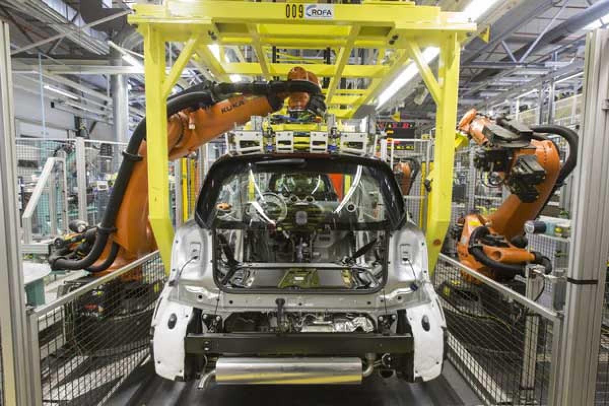 چهارمین انقلاب صنعتی در راه است؛ رباتها بیش از ۵ میلیون شغل را در اختیار میگیرند!