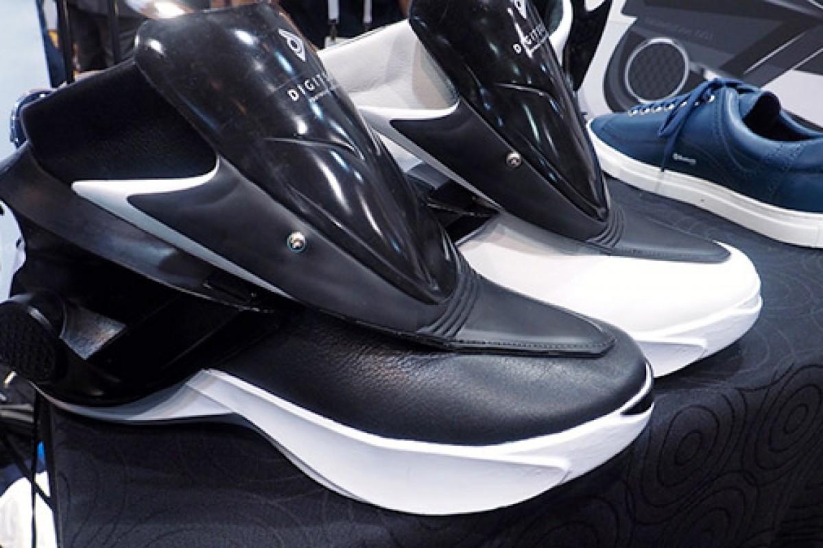 کفشهای هوشمندی که با اسمارتفون کنترل میشوند!