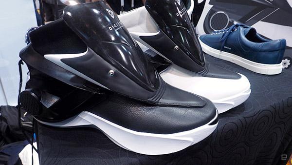 کفشهای هوشمند که با اسمارتفون کنترل میشوند