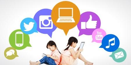 social-media-girls-900-1-450x225 ۵ راهکار برای استفاده درست از شبکههای اجتماعی