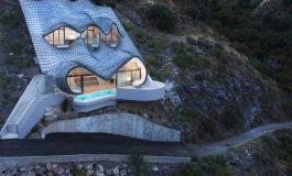 خانهای روی صخرهها که به سیستمهای سرمایشی و گرمایشی نیازی ندارد!