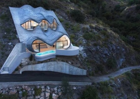 spanish-hillside-house-640x454