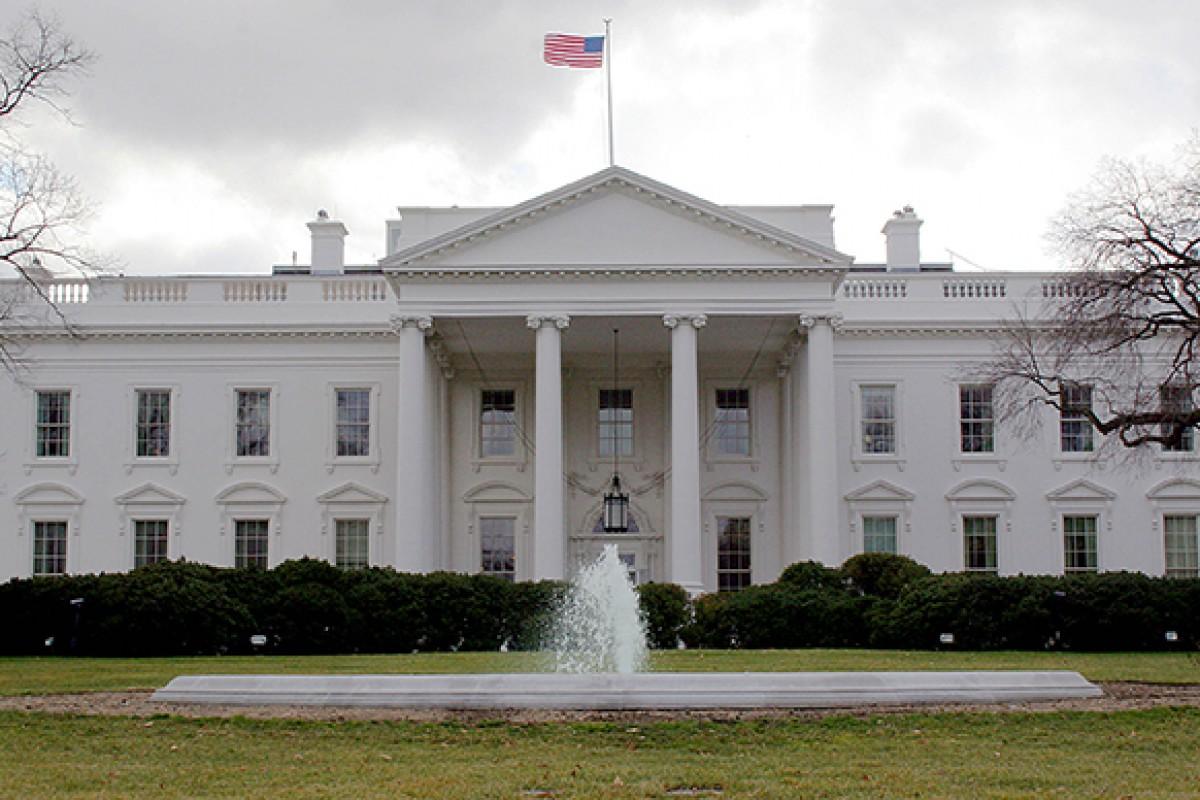بالاخره آیفون هم وارد کاخ سفید شد؛ اوباما همچنان در حسرت!