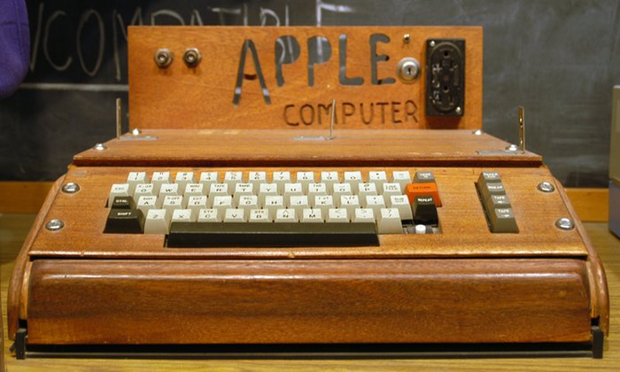 apple 1976 ITResan Hamed Feshki