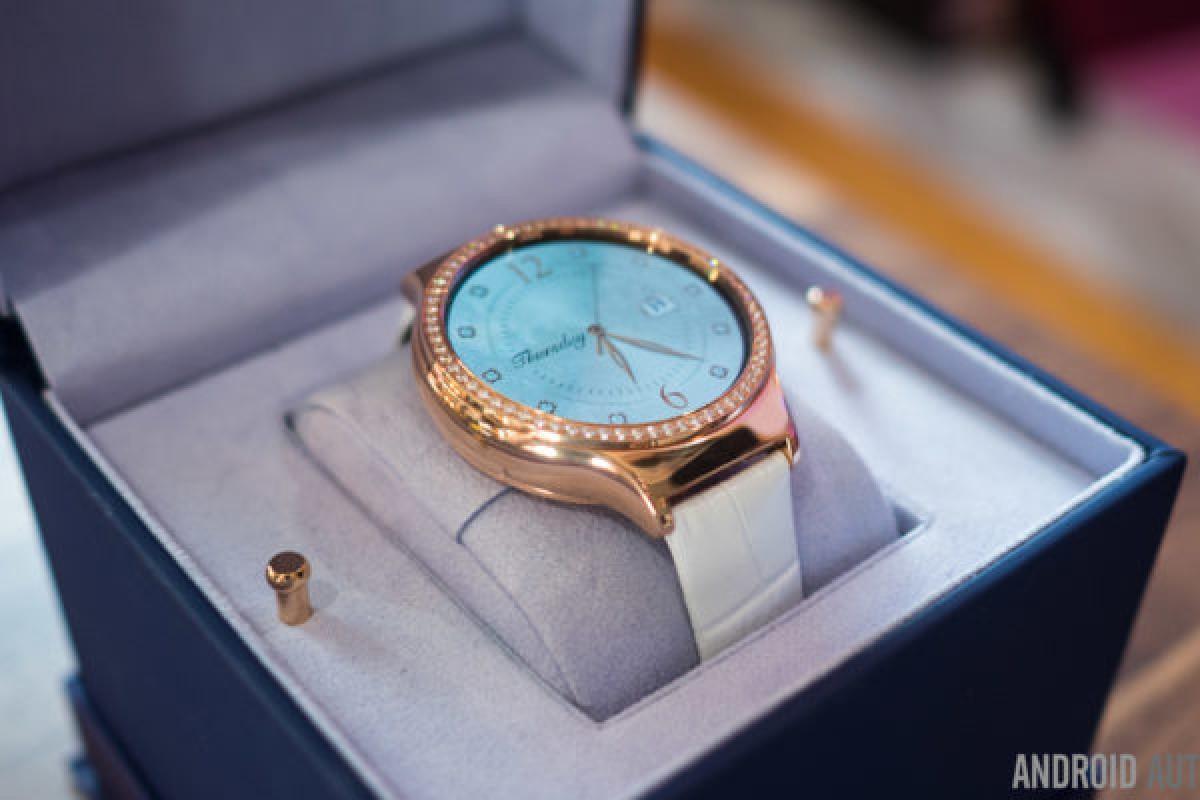 نگاهی نزدیک به ساعت هوشمند و خاص Huawei Watch Jewel: جواهری در قصر!
