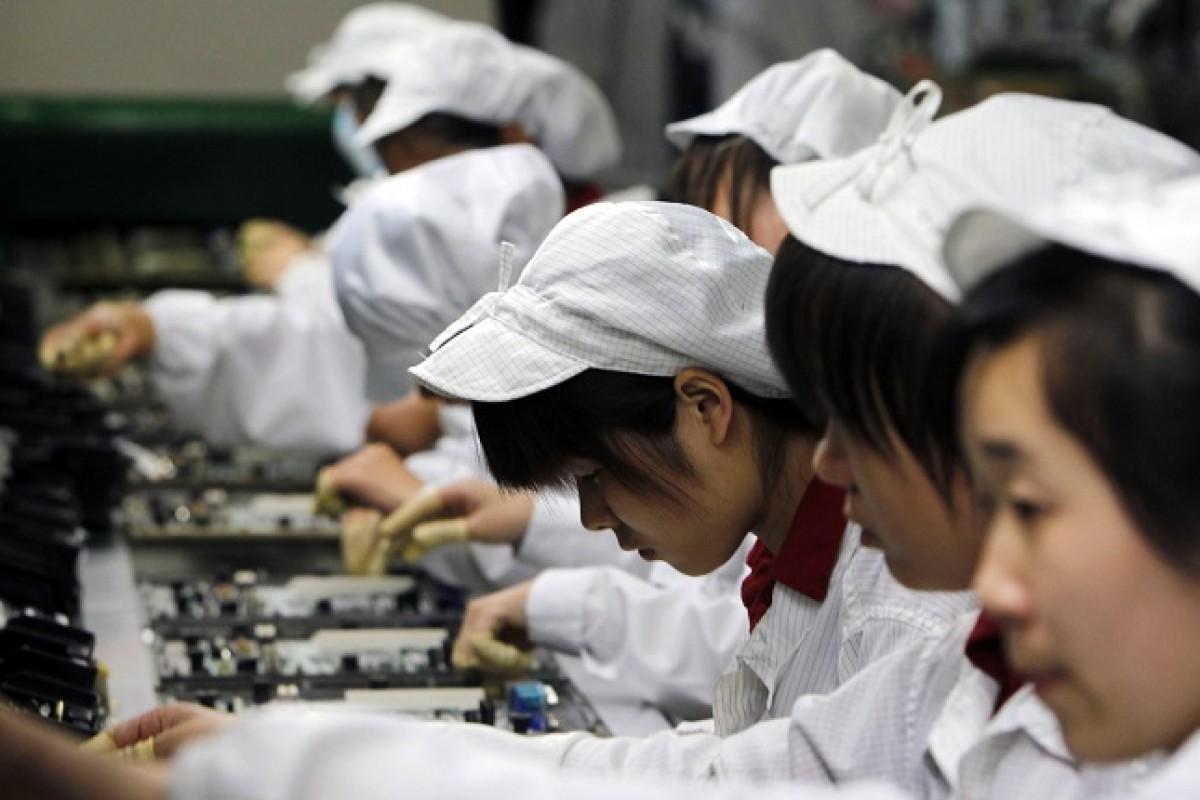 کمپانی فاکسکان رباتها را جایگزین ۶۰ هزار نیروی انسانی خود میکند