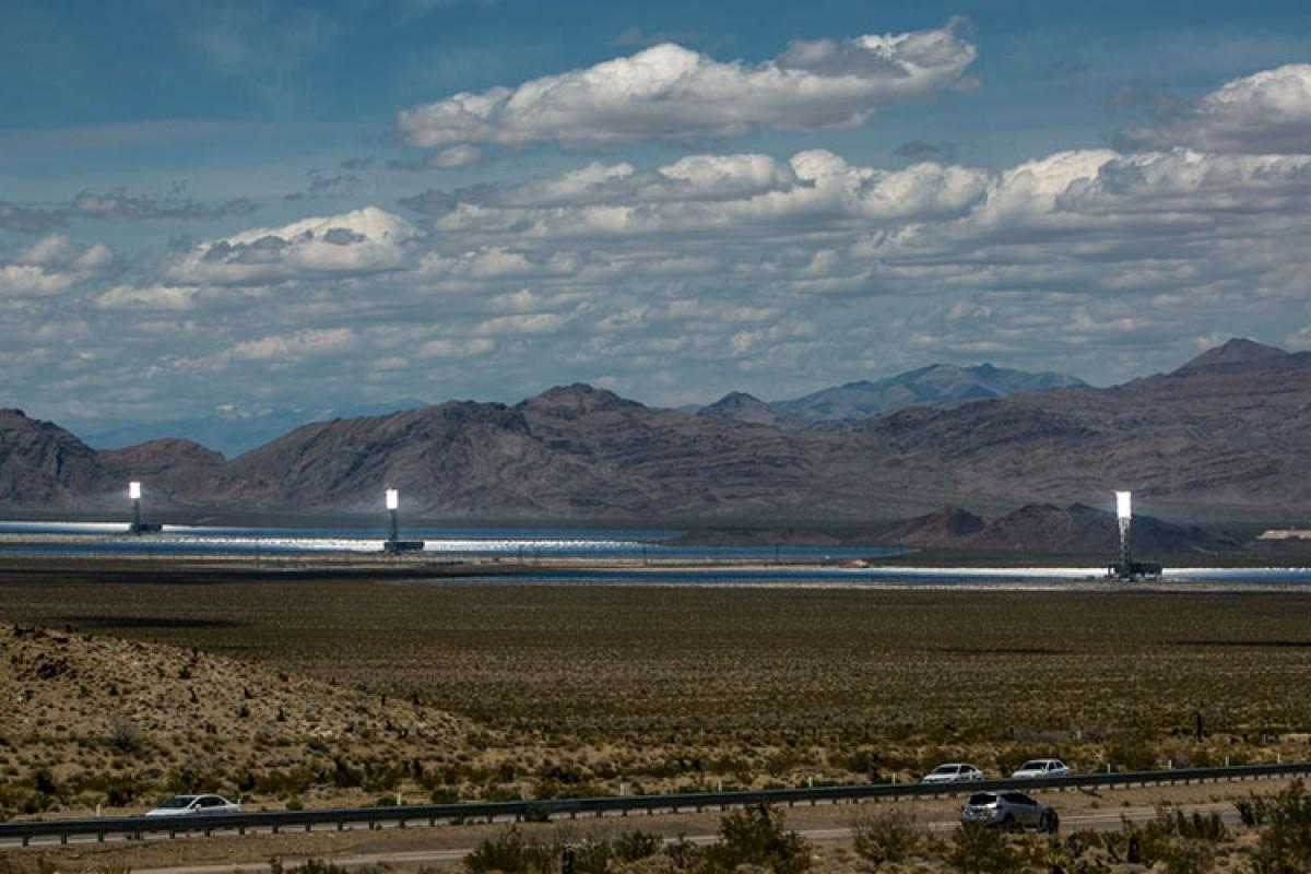 بزرگترین نیروگاه خورشیدی دنیا خودش را سوزاند!