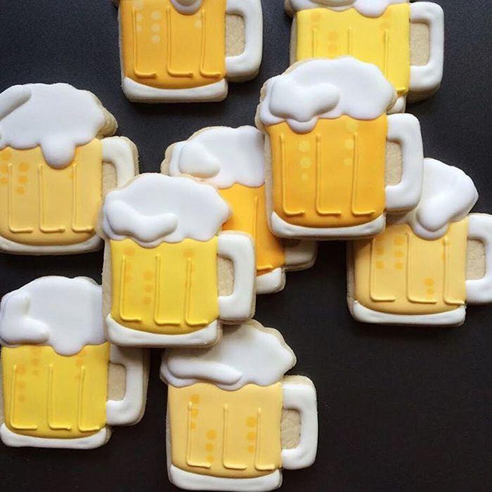 graphic-designer-makes-custom-cookies-holly-fox-design-12-572da2a183a99__700