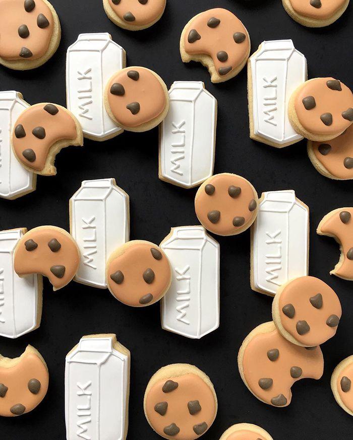graphic-designer-makes-custom-cookies-holly-fox-design-20-572da2bed4c6e__700