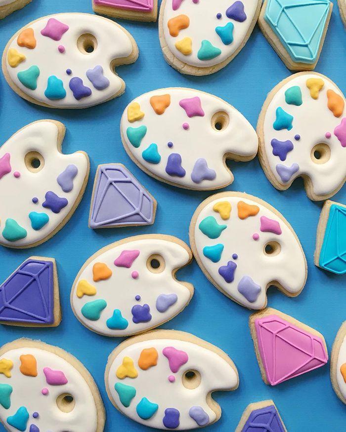 graphic-designer-makes-custom-cookies-holly-fox-design-4-572da289c6c55__700