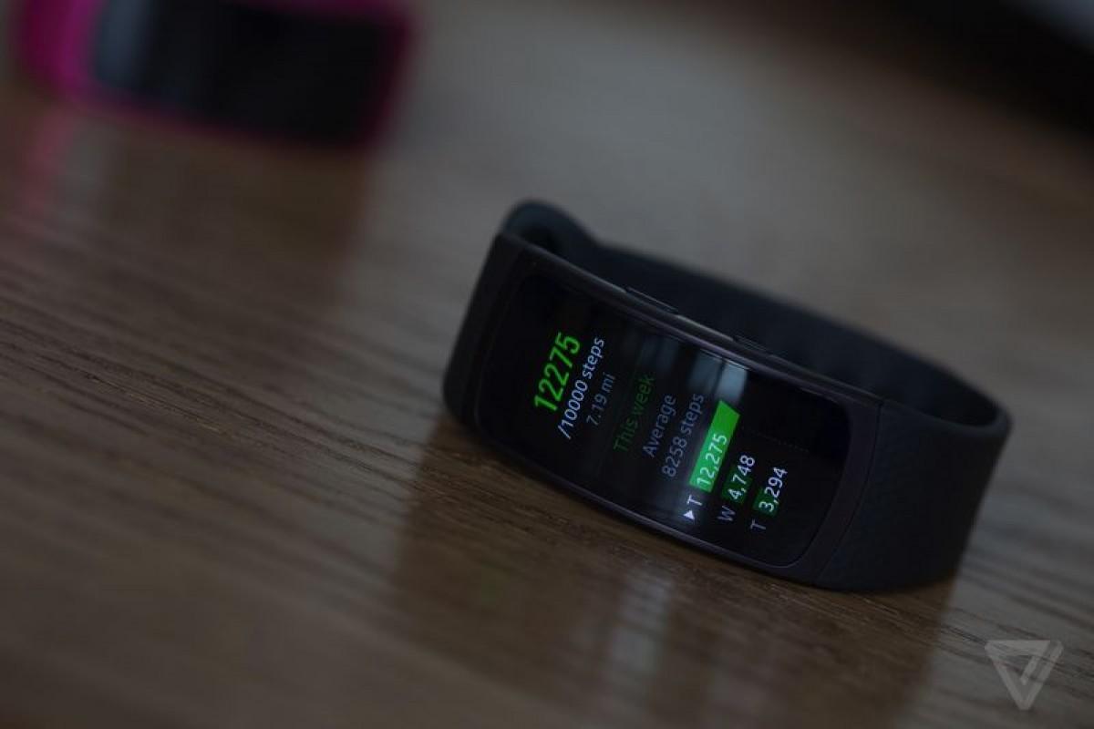 دستبند هوشمند سامسونگ Gear Fit 2 رسما معرفی شد