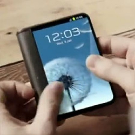 Samsung-exec-shares-news-on-bendable-screen-phones-right-around-the-corner