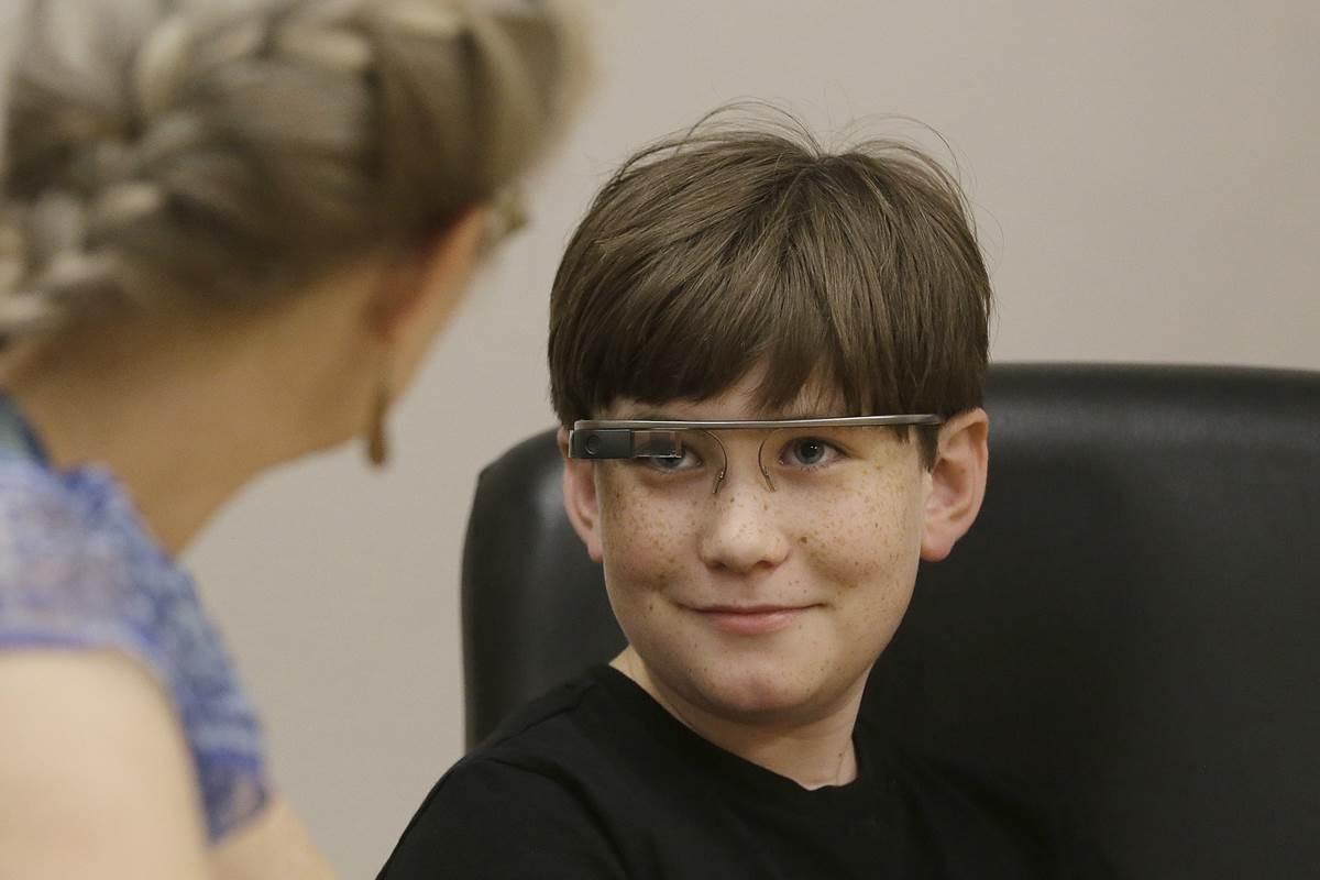 گوگل گلس و کمک به کودکان اوتیسمی
