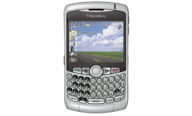 BlackBerry-Curve-8300-840x510