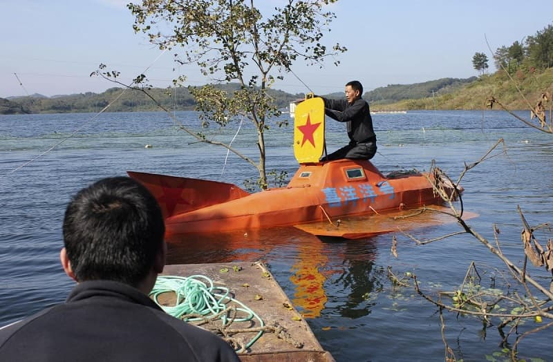 a-farmer-spent-five-months-building-this-diy-submarine-which-he-successfully-took-to-a-depth-of-30-feet-in-a-lake-near-his-hometown-of-dangjiangkou-in-the-hubei-province