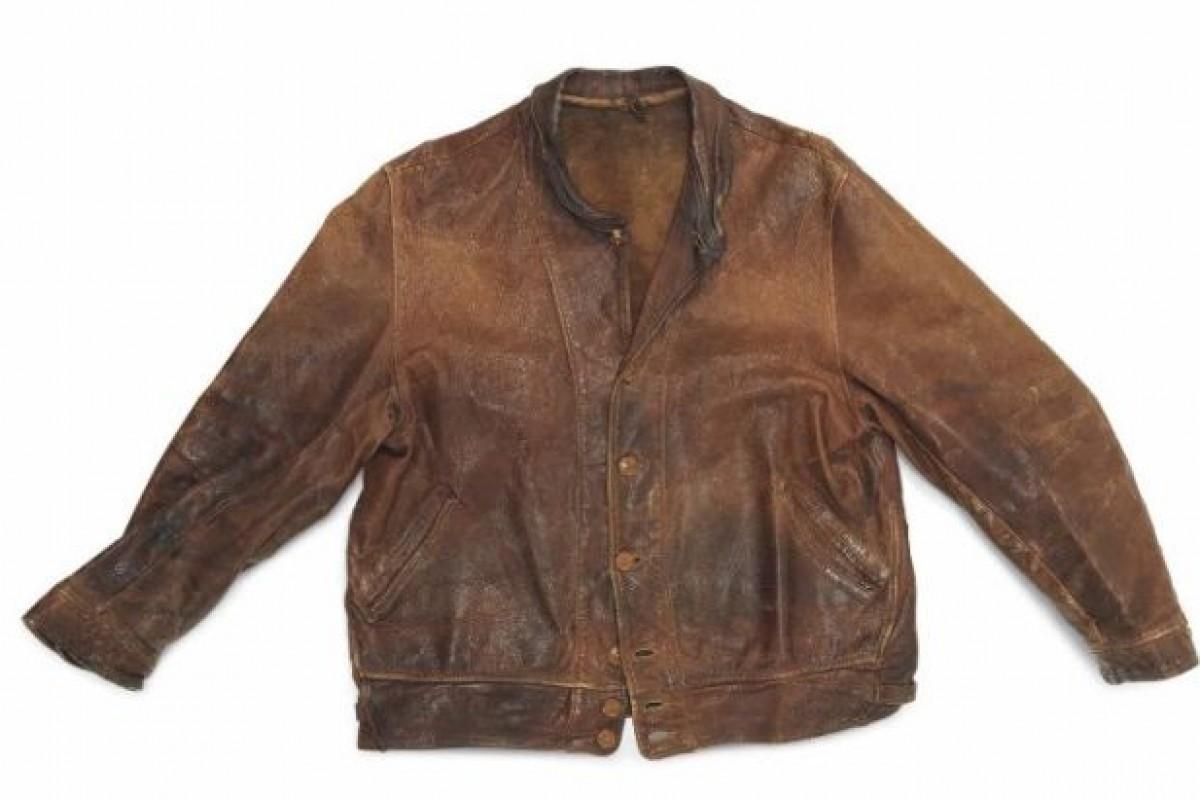کت چرمی و بد بوی آلبرت انیشتین به مبلغ ۱۵۰ هزار دلار فروخته شد!