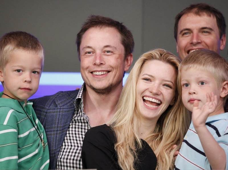 around-the-same-time-musk-was-going-through-a-divorce-with-justine-musk-a-canadian-author-with-whom-he-had-six-sons
