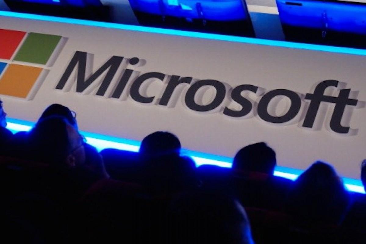 مایکروسافت: ما ایمیلهای شما را مثل یاهو بررسی نمیکنیم!