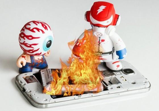 چرا تلفنهای هوشمند دچار آتش گرفتگی میشوند؟