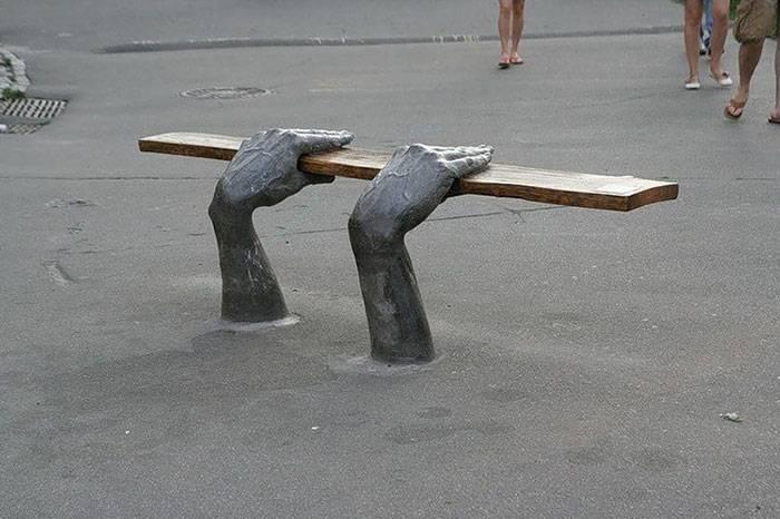 creative-public-benches-15-57e8e3882abdd__700