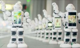 حضور ۱۰۰ ربات در صف خرید آیفون ۷ به جای انسان!