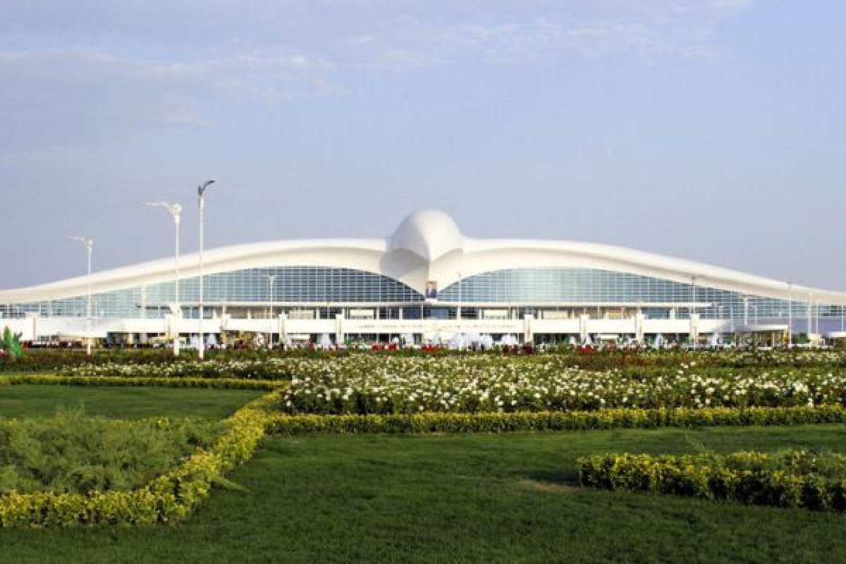 فرودگاه بینالمللی ترکمنستان با ظاهری چون یک پرنده شکاری افتتاح شد