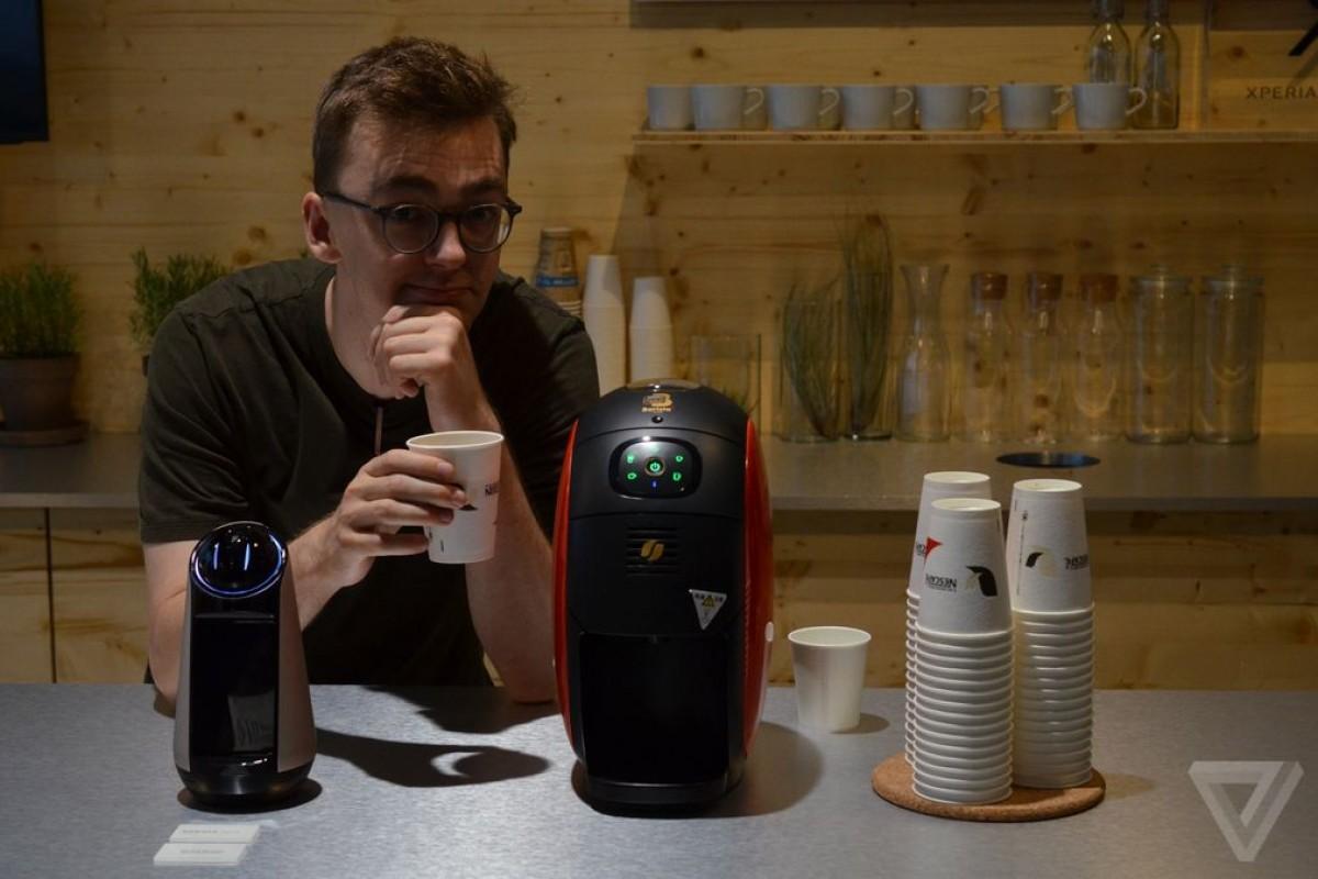 ربات خانگی اکسپریا Agent سونی، بهترین راه برای سفارش قهوه!