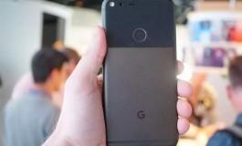 تحلیلگران پیشبینی میکنند که گوگل تا پایان سال ۲۰۱۶ میتواند ۴ میلیون گوشی هوشمند از سری پیکسل را بفروشد!
