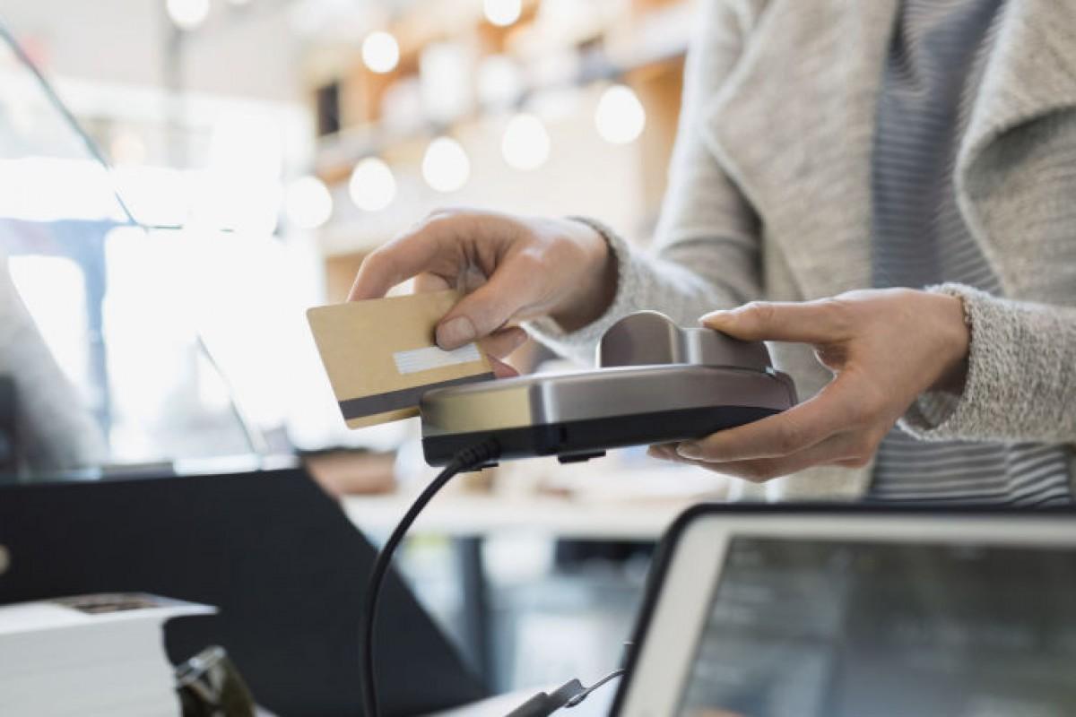 عرضه یک کارت اعتباری که کد امنیتی آن هر یک ساعت یکبار تغییر میکند!