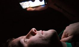 تاثیر نور نمایشگر اسمارتفونها بر مغز انسان