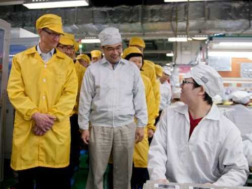 tim-cook-foxconn-3