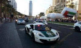 نگاهی به ۱۰ خودروی لوکس ناوگان پلیس در دبی!