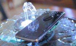 بهترین گوشیهای ضد آبی که میتوانید در ایران بخرید (بهروزرسانی 1395/12/11)