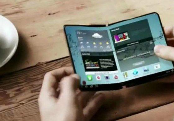 سامسونگ بر روی دو مدل گوشی تاشو کار میکند
