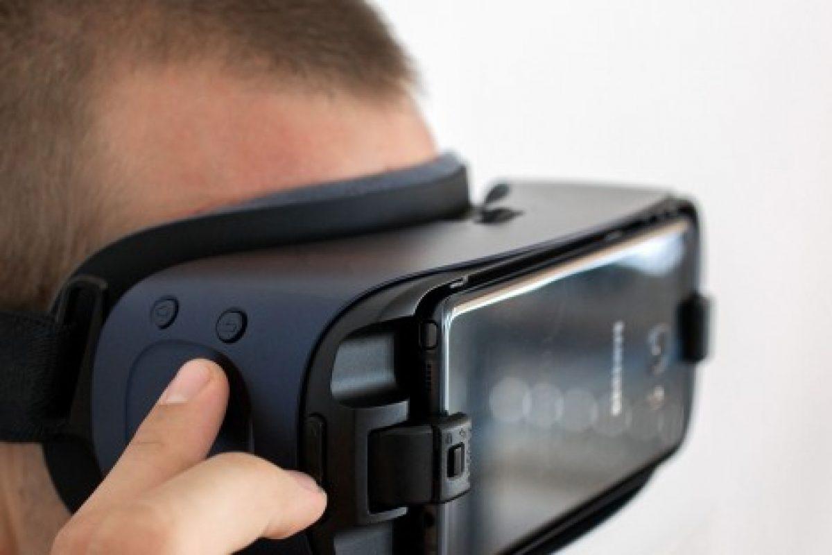 نسل بعدی هدست Gear VR مجهز به نمایشگر OLED با تراکم پیکسلی ۲۰۰۰ ppi خواهد بود