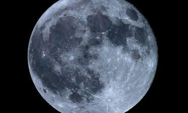دانشمندان احتمال میدهند که ماه از چندین قمر کوچکتر تشکیل شده است
