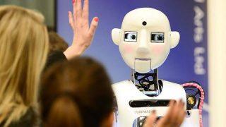 تحقیقات جدید نشان میدهند که صحبت کردن با رباتها، میتواند منجر به افزایش رضایت شما از زندگیتان شود