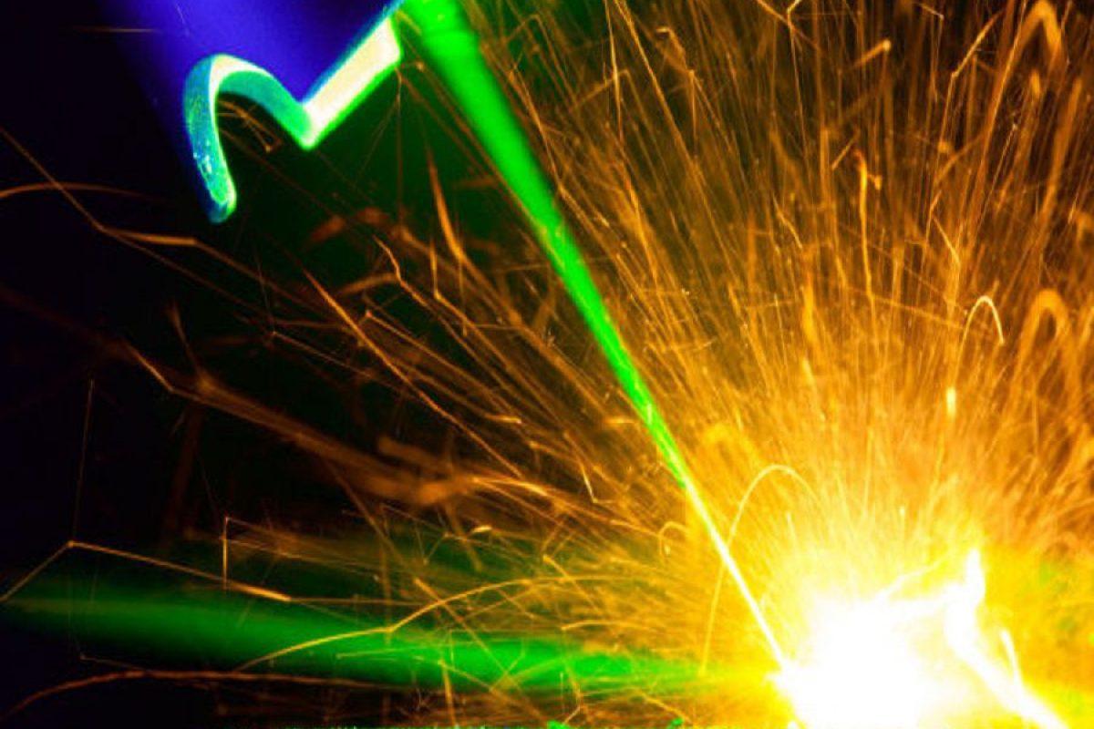 دانشمندان موفق به ساخت قدرتمندترین لیزر پالسی جهان شدند