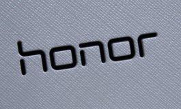 هواوی، گوشی آنر 9 را با رنگ فیروزهای معرفی کرد