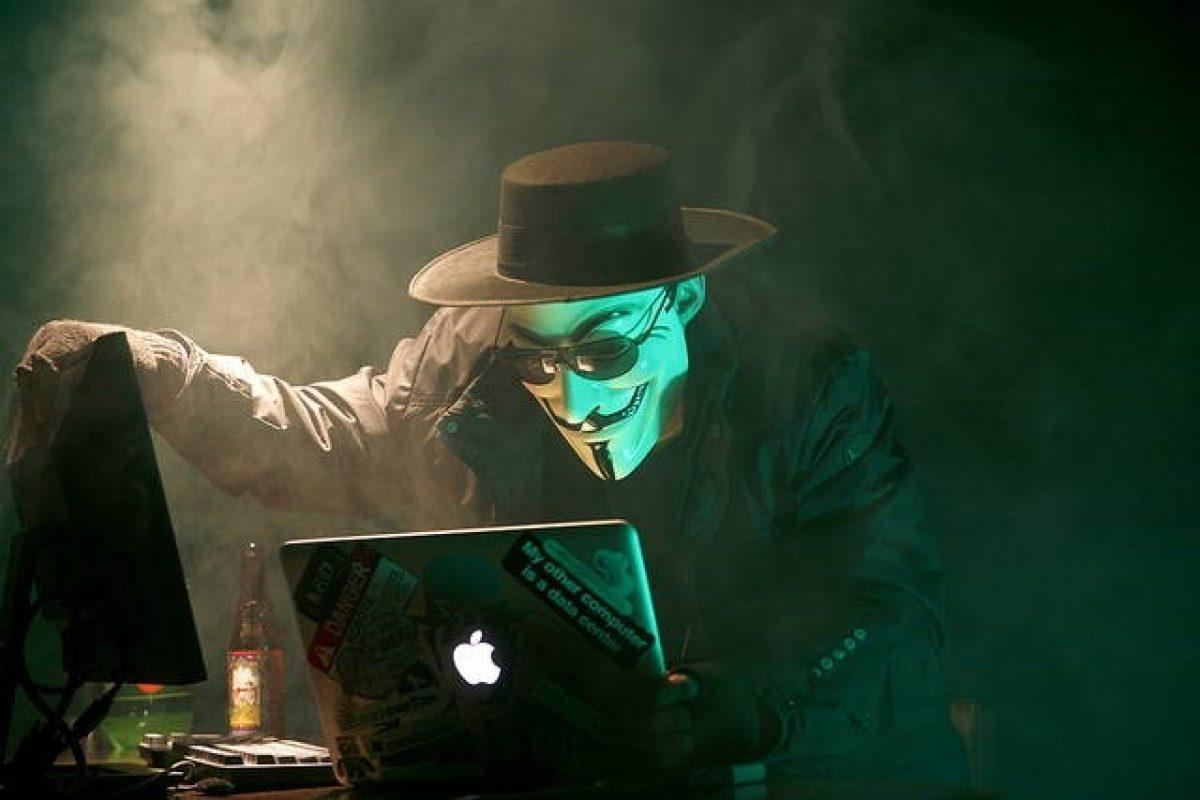ویکی لیکس برای برطرف کردن مشکلات امنیتی شرکتهای فناوری اعلام آمادگی کرد